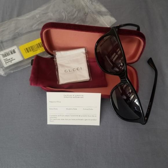 NWT Unisex Gucci Sunglasses GG0263S 001